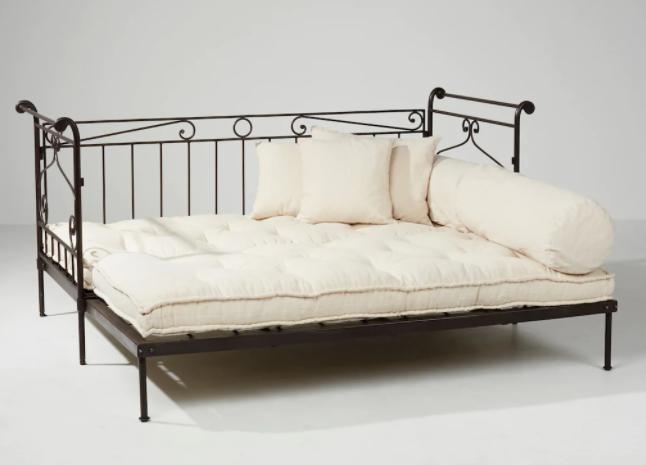 Ferforje divan şık bir üründür, kanepe karyola