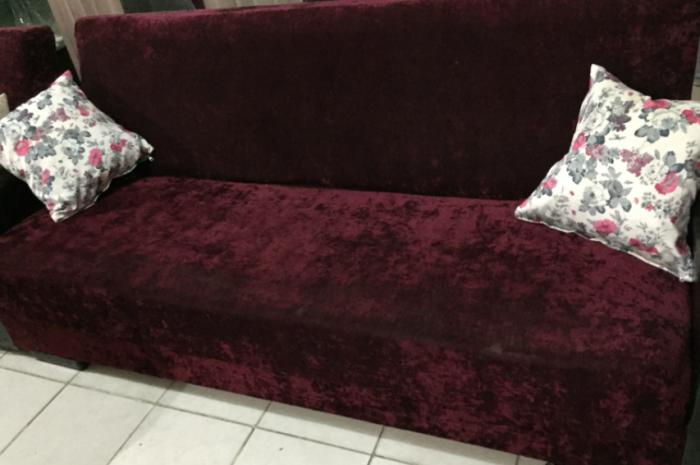 bordo çekyat yatak olur altında eşya saklamak için yeri mevcut