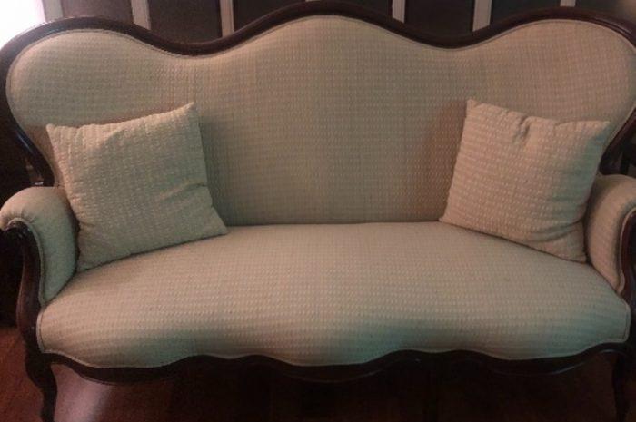maun cilalı ipek kumaş kaplı nadide antika üçlü kanepe
