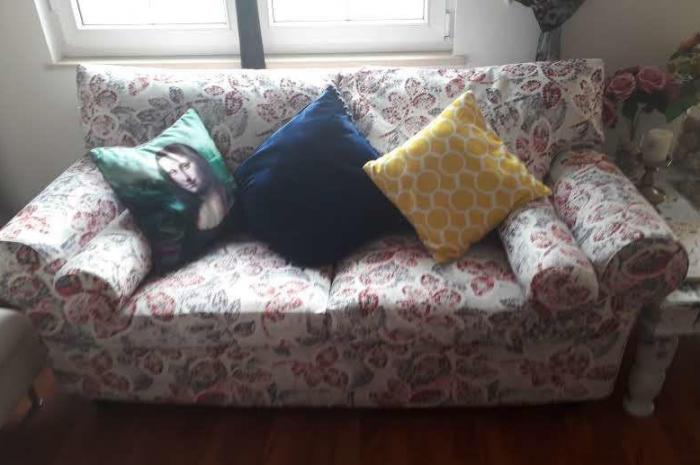 ikea ikinci el 2 li koltuk az kullanıldı çok hafif bir mobilyadır